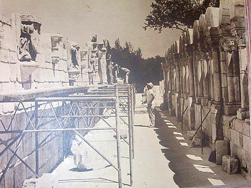 Foto del desmantelamiento del Monasterio en Segovia (año 1925). El Monasterio y claustro de St. Bernard de Chairvaux fue trasladado piedra a piedra desde Segovia (España) a los Estados Unidos en el año 1925