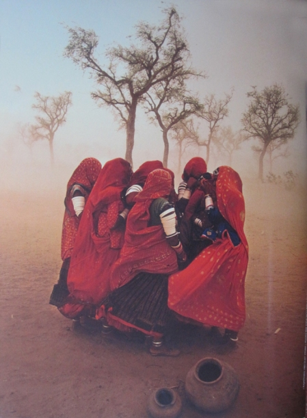 Rajasthan, 1983 Dust Storm. Foto Steve McCurry © Magnum Photos/Contrasto